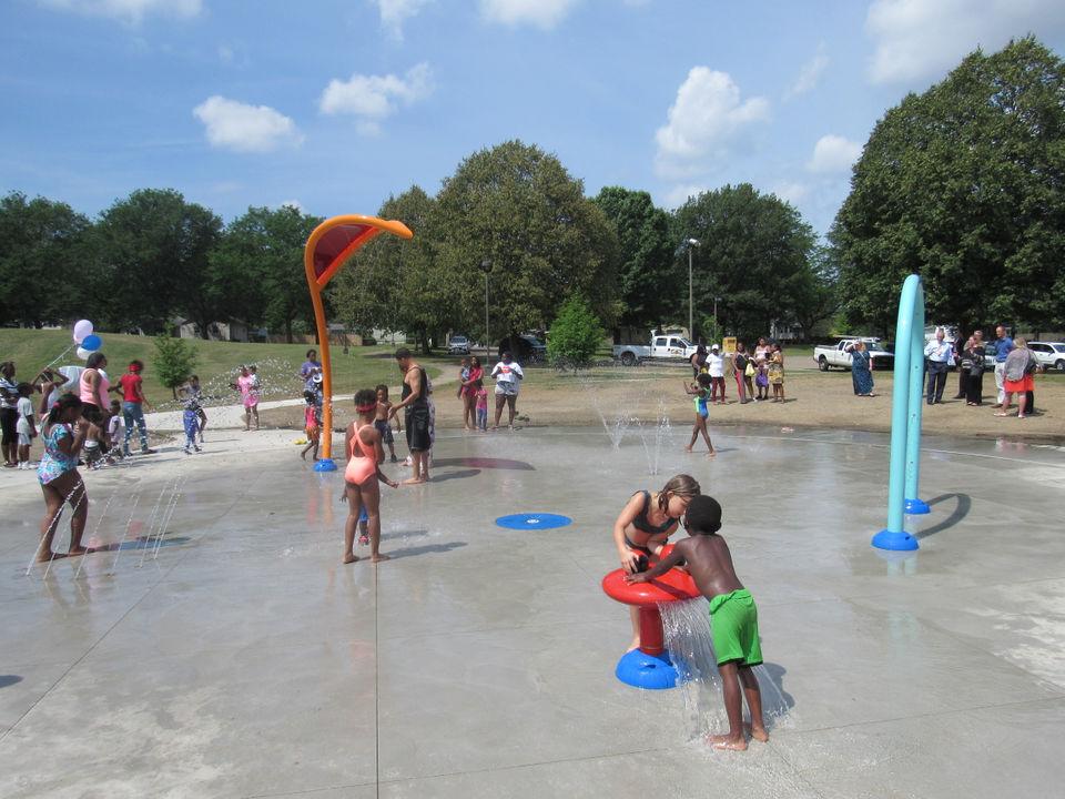 Akron opens first splash park at Joy Park Community Center