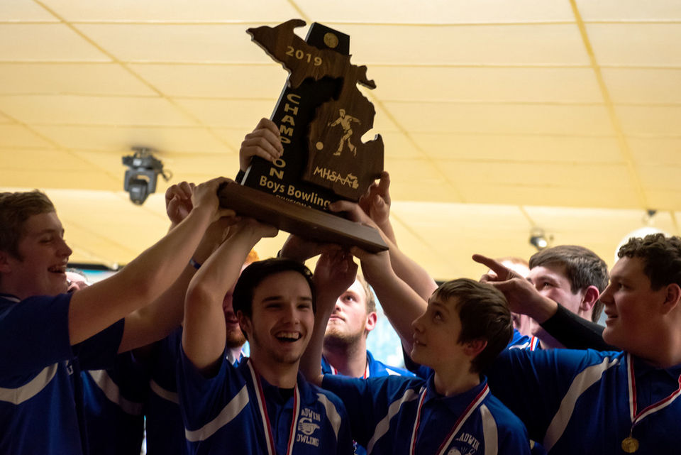 Michigan high school bowlers crowned at state finals | MLive com