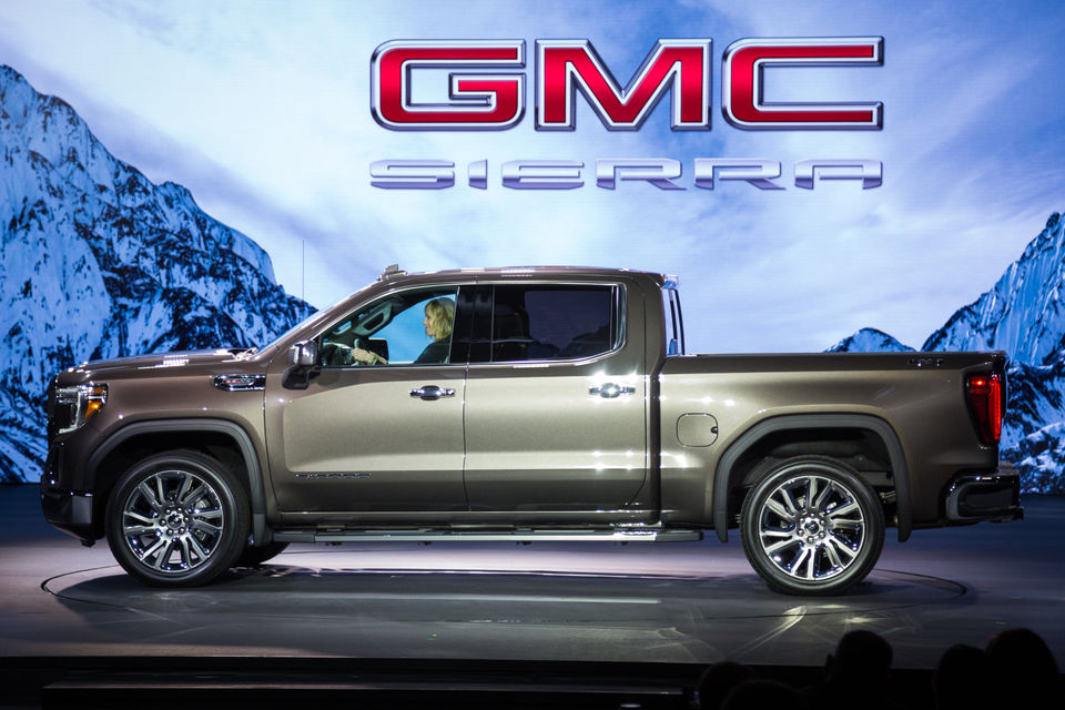 A Closer Look At The 2019 Gmc Sierra And Its Impressive Six Way