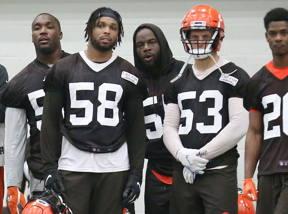 Why Christian Kirksey and Joe Schobert stand in the middle of everything for the Browns: Doug Lesmerises 3rd & Short