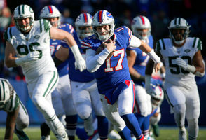 Orchard Park, N.Y. -- Every team the Buffalo Bills play know quarterback Josh Allen is arguably a bigger threat with his legs than his arm at this stage of his career. But even with that knowledge, the rookie continues to break records on the ground. Allen rushed for 101 yards against the New York Jets on Sunday to go over the century mark for the second straight week. But for the second straight week, Buffalo came out on the losing end of the scoreboard. Here's everything the Bills and Jets said about Allen's ability to run the ball.