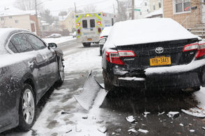"""As roads are getting slippery and difficult to navigate, crashes are being reported throughout the borough. On West Fingerboard Road near Clove Road in Grasmere, a vehicle lost control and careened into two parked cars. """"He was avoiding someone who ran the red light and unfortunately crashed into two parked cars,"""" said a relative of the driver. No injuries were reported. Based on emergency radio communications, avoid these crash sites: Ocean Terrace and Coverly Avenue; Page Avenue and Richmond Valley Road; West Fingerboard Road near Windermere Road."""