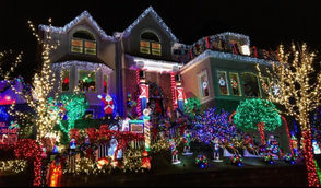 The #SILights tour continues around Staten Island, taking a look at local homes with impressive Christmas decorations. Here is a home at 187 Spring St. in Concord. (Staten Island Advance/Shane DiMaio)