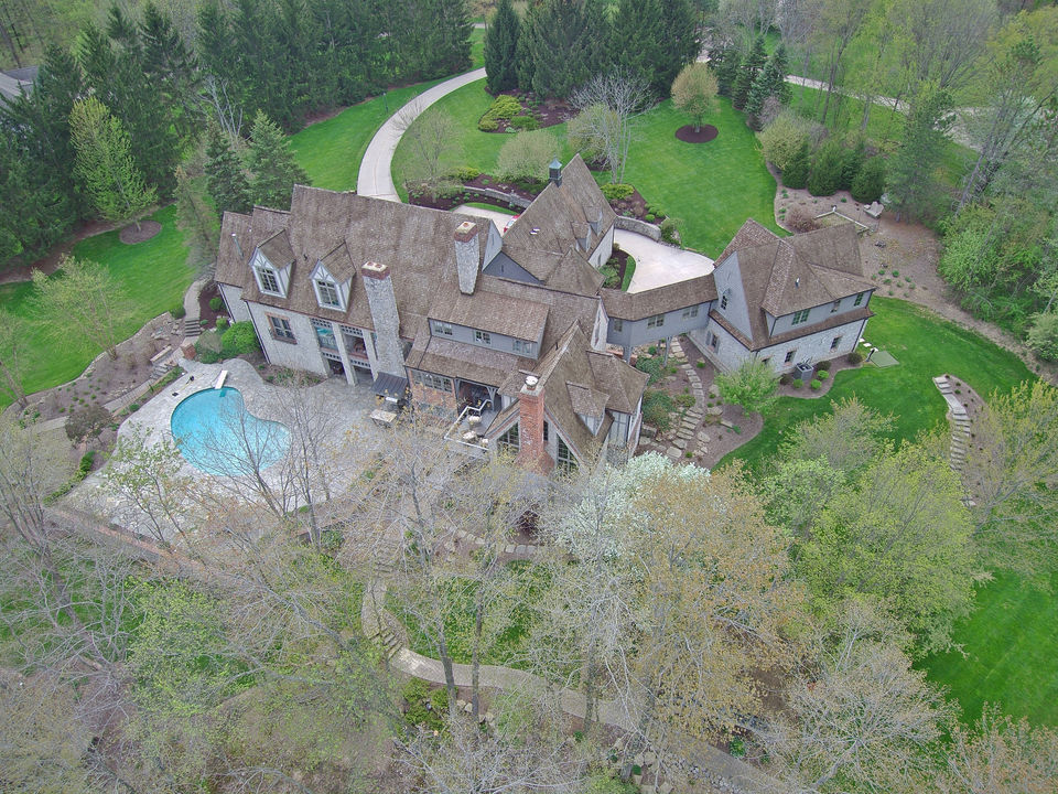 Sprawling Mansion in Geauga County, Ohio Asks $2.35 Million
