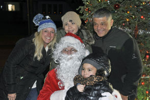 Springfield's Forest Park residents come together for 6th annual neighborhood tree lighting.