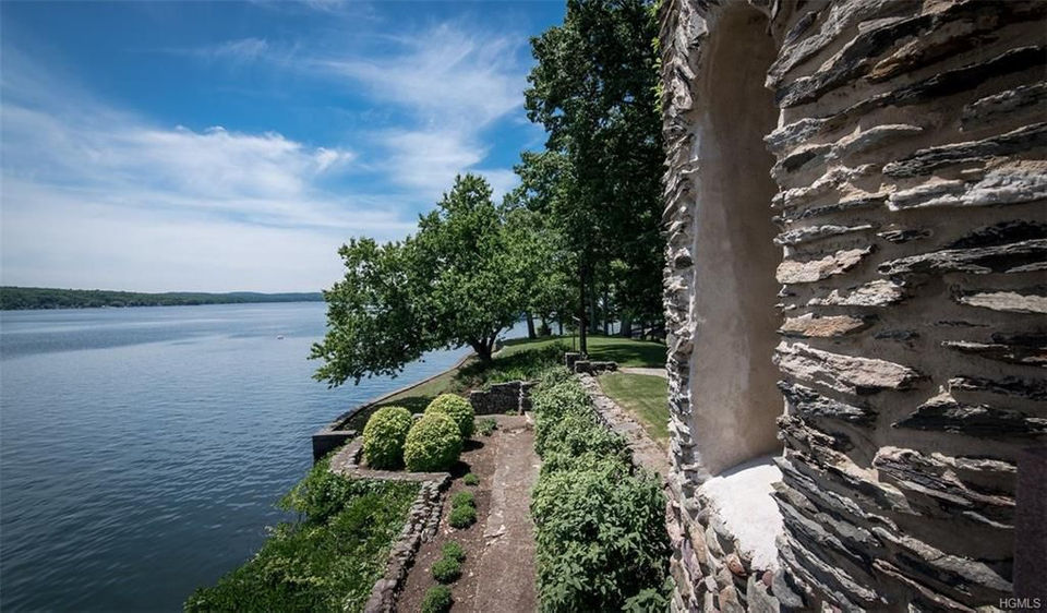 Derek Jeter Is Selling His 115 Year Old Castle For Nearly 15