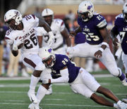 UNA edges Alabama A&M 25-20 in first meeting since 1997