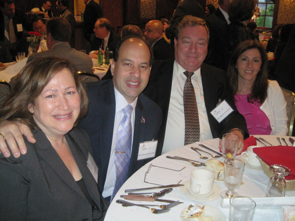 Staten Island Trial Lawyers honor judge and chief clerk in New Dorp