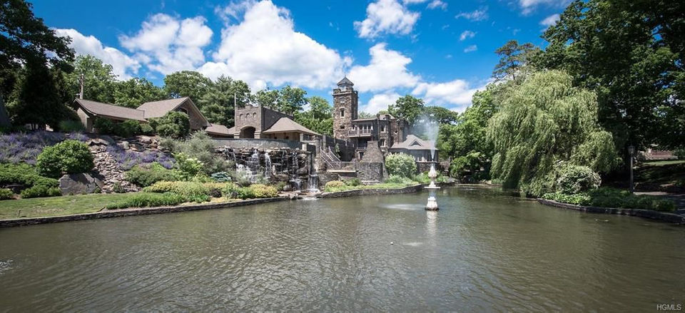PHOTOS Derek Jeters Jaw Dropping Upstate NY Castle For Sale 14 Million