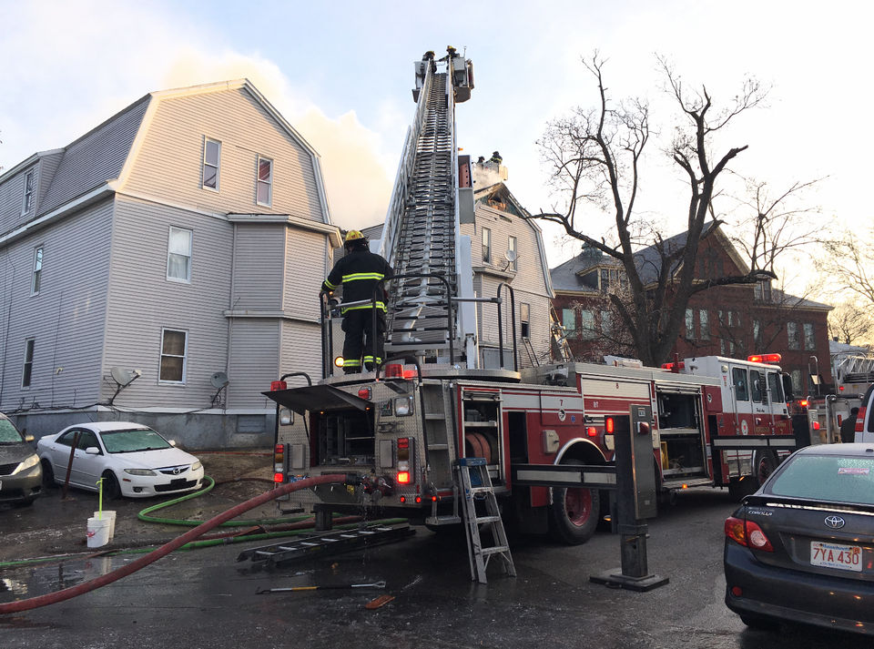 Worcester firefighter dies battling early-morning fire at Lowell Street apartment building