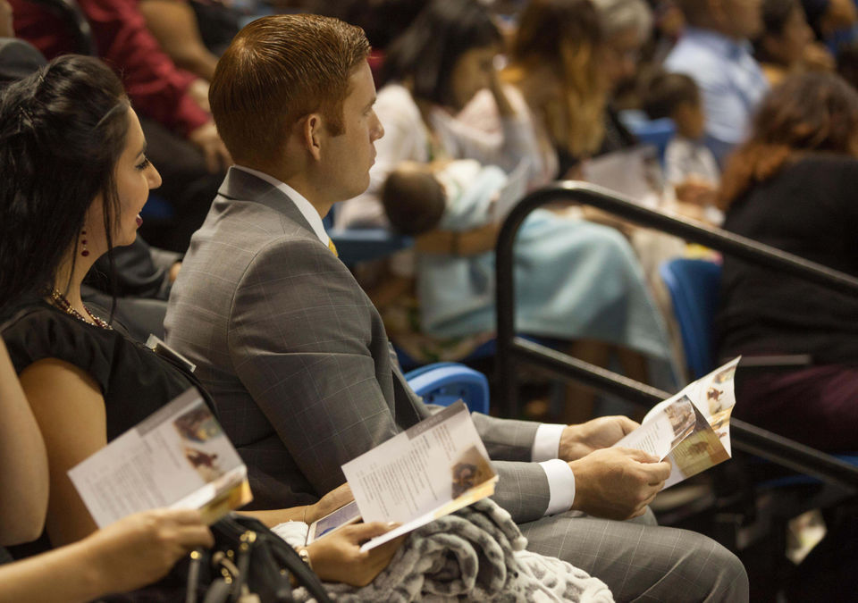 Jehovah's Witnesses gather in Alabama - al com
