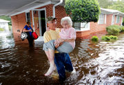 Florence flooding spreads as storm heads northeast: See latest photos