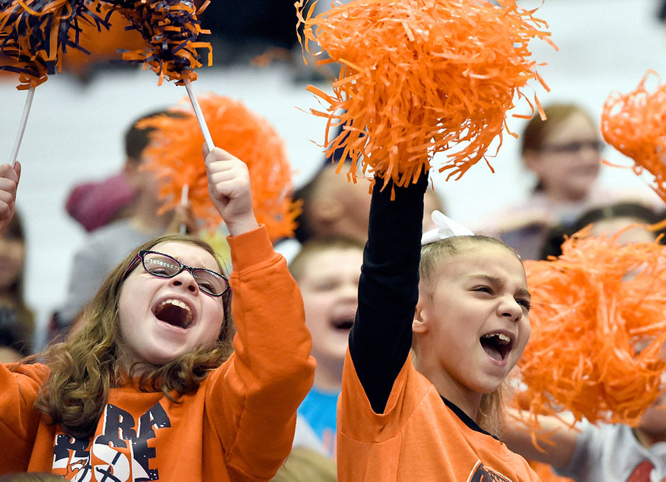 Photos Student Day At The Syracuse Women S Basketball Game Vs