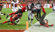 Atlanta Falcons won't budge on Julio Jones' contract, reports indicate
