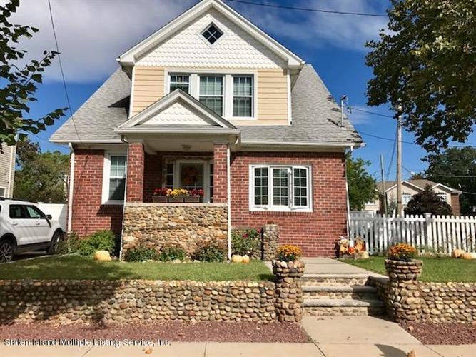 Staten Island Home of the Week: Completely renovated, Tottenville, $675K