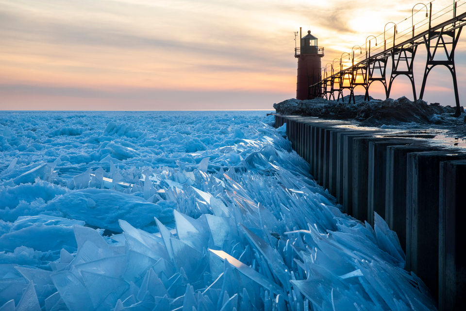 Ice Shards along Lake Michigan by Joel Bissell [960x640] [OS]
