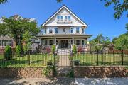 HGTV-worthy renovation in Lakewood asks $650,000: House of the Week