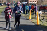 Easthampton's Thanksgiving Day road race is still on despite freezing temps