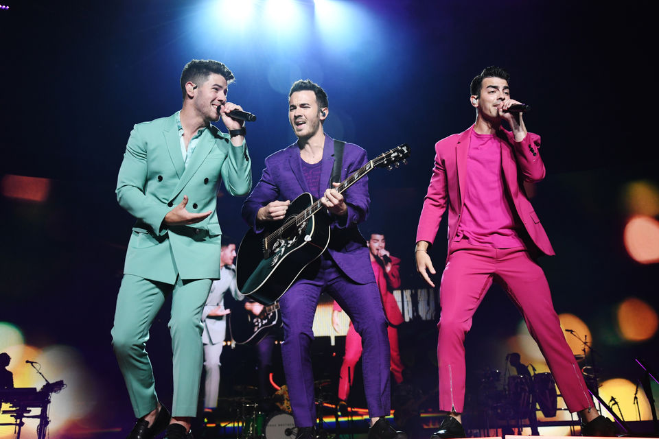 Old school Jonas Brothers meet new school JoBros at their first Michigan concert in years