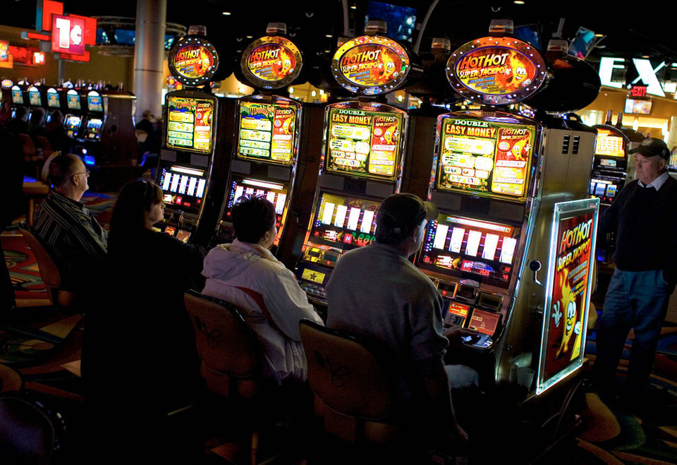 Pennsylvania slot machine revenue shows slight rise in May