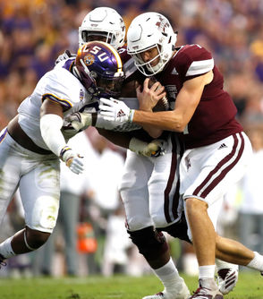 Turnovers. Penalties. Just overall ugly football. There was very little to enjoy watching that 10-3 first half in Tiger Stadium, unless you simply wanted to appreciate good old-fashioned defense. There were 10 punts in the first half, and at one point there was 12-consecutive drives without a score. Nick Fitzgerald was 3-of-9 in the first half with two interceptions, and Joe Burrow was 9-of-19 for 70 yards and an interception. LSU had just nine rushing yards on 17 attempts as Mississippi State completely controlled the line of scrimmage. Mississippi State ran the ball well for 130 yards in the half, but whenever it had momentum it stalled because everybody seemed to know it was running right up the middle. At the end of it, LSU had a 10-3, primarily thanks to Michael Divinity's interception return to the 4-yard line.