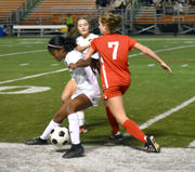 Dominican 3, Sacred Heart 0: Dominican finds finishing touch late for non-district victory