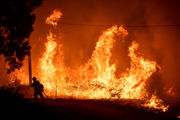 Wildfire that closed I-5 near California border doubles in size overnight