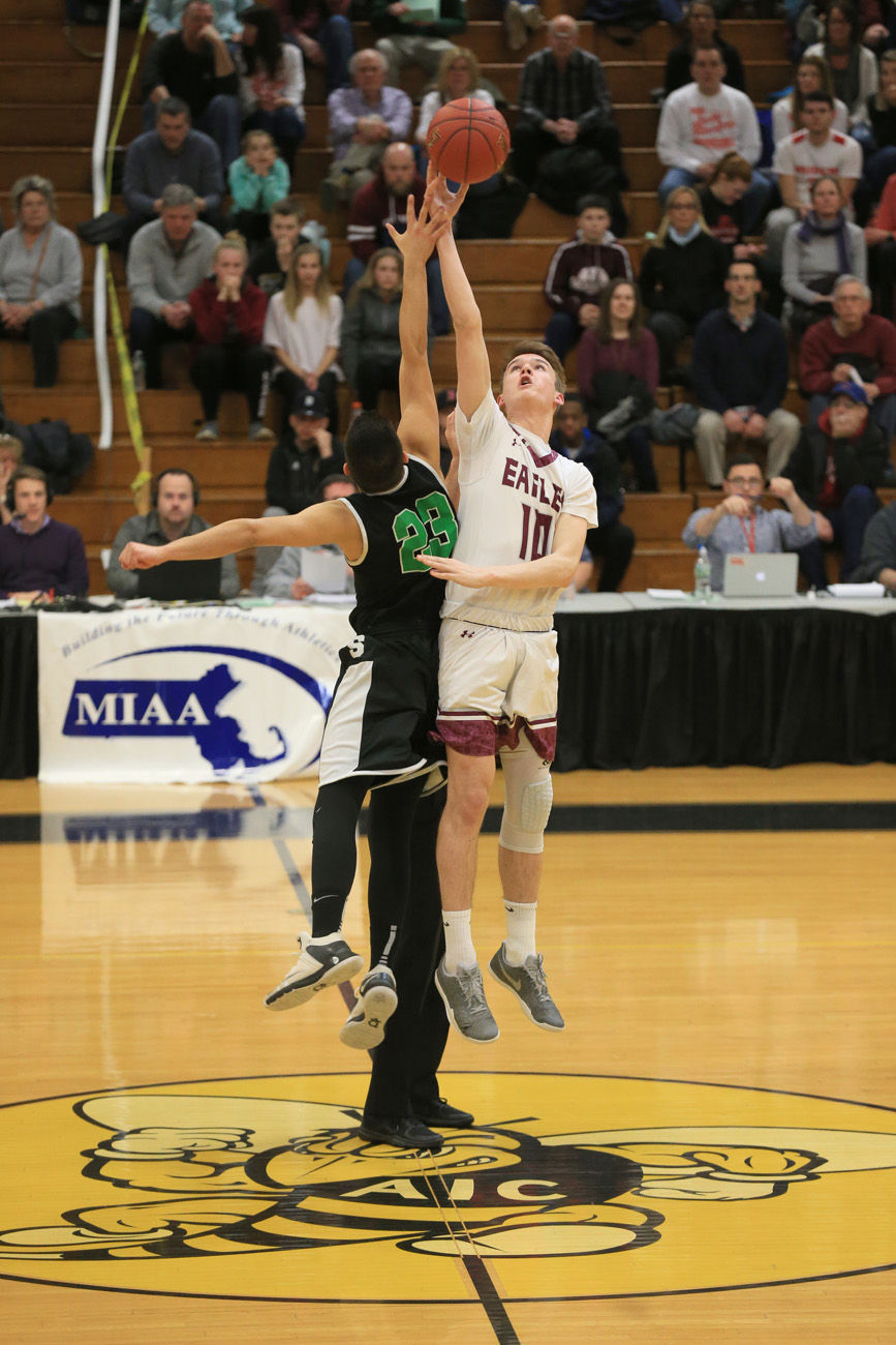 Massachusetts high school boys basketball masslive we are chaos sopie pek surging easthampton boys basketball hang on against fandeluxe Image collections