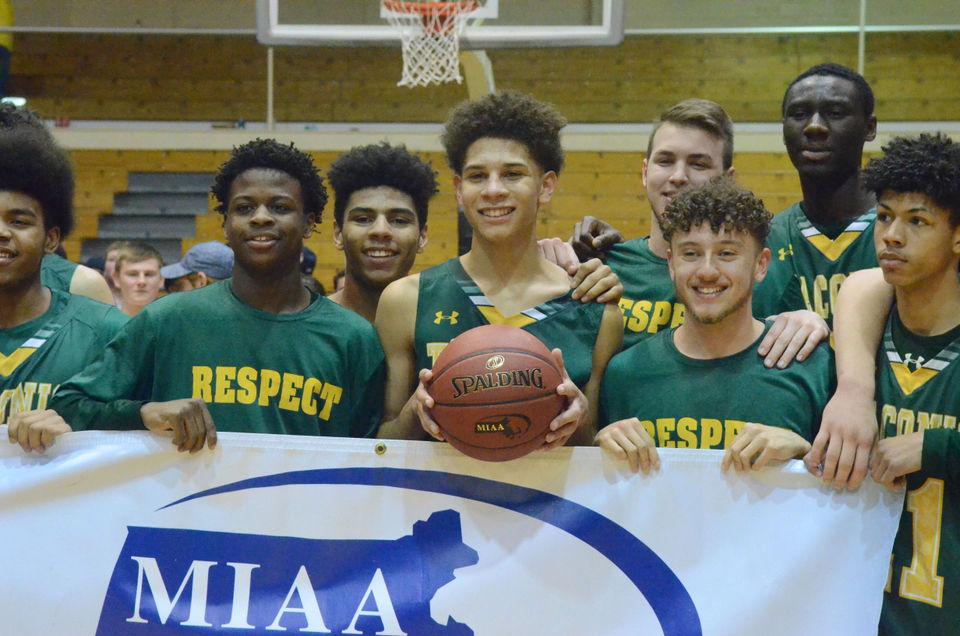 Massachusetts high school boys basketball masslive 6 taconic boys basketball as wmass d ii champions fandeluxe Image collections