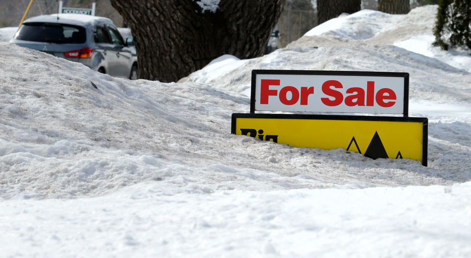 Seven reasons to consider buying a home during the holidays