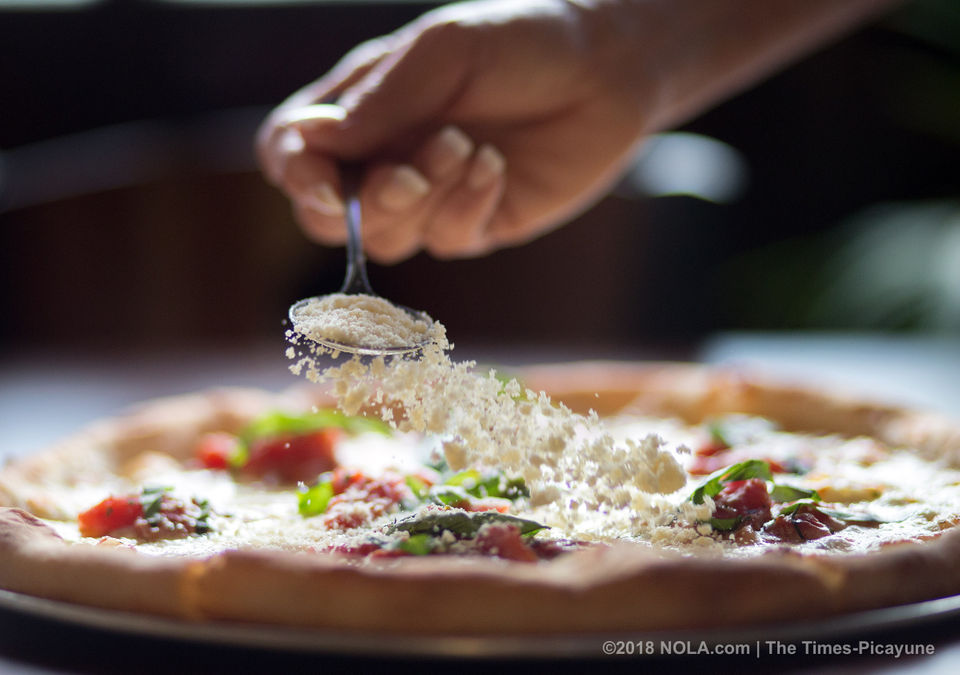 Leonardo's Trattoria & Pizzeria: You'd think you're in your Sicilian grandmother's kitchen