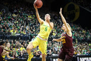 Sabrina Ionescu sparks Oregon Ducks women's one-sided victory against Minnesota in NCAA Tournament