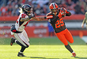 CLEVELAND, Ohio -- In this week's edition of our Browns mailbag, we answer questions about Kareem Hunt, Duke Johnson and more. Will the Browns trade Johnson now that they've signed Hunt? How many games will Hunt be suspended for? Other readers are looking ahead to the NFL draft and wondering who the Browns will select with their No. 17 overall pick.  Find out our answers here: