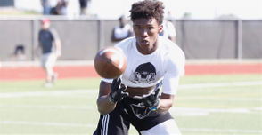 COLUMBUS, Ohio -- Ohio State is expected to sign five-star wide receiver Garrett Wilson during the early signing period for the 2019 recruiting class, which lasts from Dec. 19-21. Learn more about this member of the Buckeyes' recruiting class with this profile.