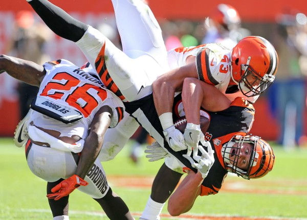 Where do the Cleveland Browns' linebackers rank in the AFC North? -- 2019 Position Rankings
