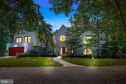 $1M house features contemporary style, guest home, horse barn on 11 acres: Cool Spaces