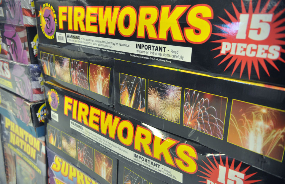 What fireworks are legal in Pa  and N J ? Where can you