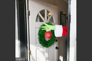 What's the Grinch doing in that townhouse for sale? (photos)