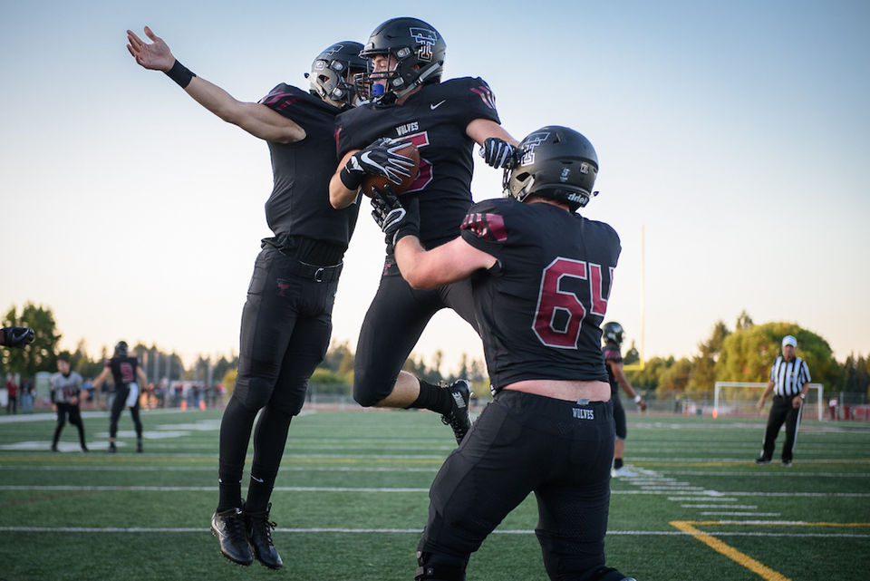 Oregon portland high school football oregonlive out to prove people wrong tualatin makes statement with 47 7 thrashing football fandeluxe Gallery