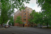 $985-$1,295 a month rent: Historic Jeanne Manor on South Park Blocks