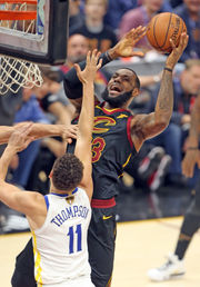 LeBron James' 'self alley-oop' says a lot about Cavaliers' chances: Bill Livingston (photos)