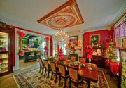 Cool Spaces: Greenlawn Plantation - a restored southern mansion decorated for Christmas