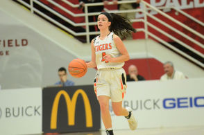 No. 12 South Hadley defeated No. 17 Granby at the 2019 Hoophall Classic on Friday (Meredith Perri).