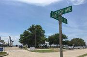 Mandeville mulls $318,000 public restroom on lakefront