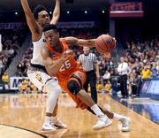 How high on Syracuse's career scoring list can Tyus Battle go?