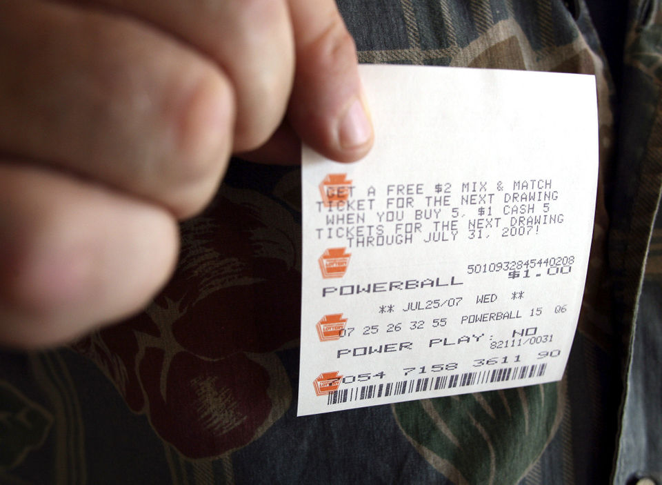 Powerball jackpot tops $750 million for Wednesday drawing