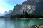 Canadian Rockies: helicopters, glaciers, canyons, lakes and bunk beds