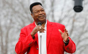 Wet weather won't stop Easton from celebrating Larry Holmes' championship fight