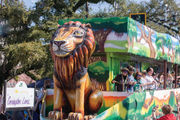 Beautiful day brings large crowd out for some Louisiana Lagniappe at Covington Lions parade