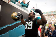 Marcell Dareus plans to turn into 330-pound gnat for AFC title game